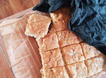 Morotsbröd i långpanna